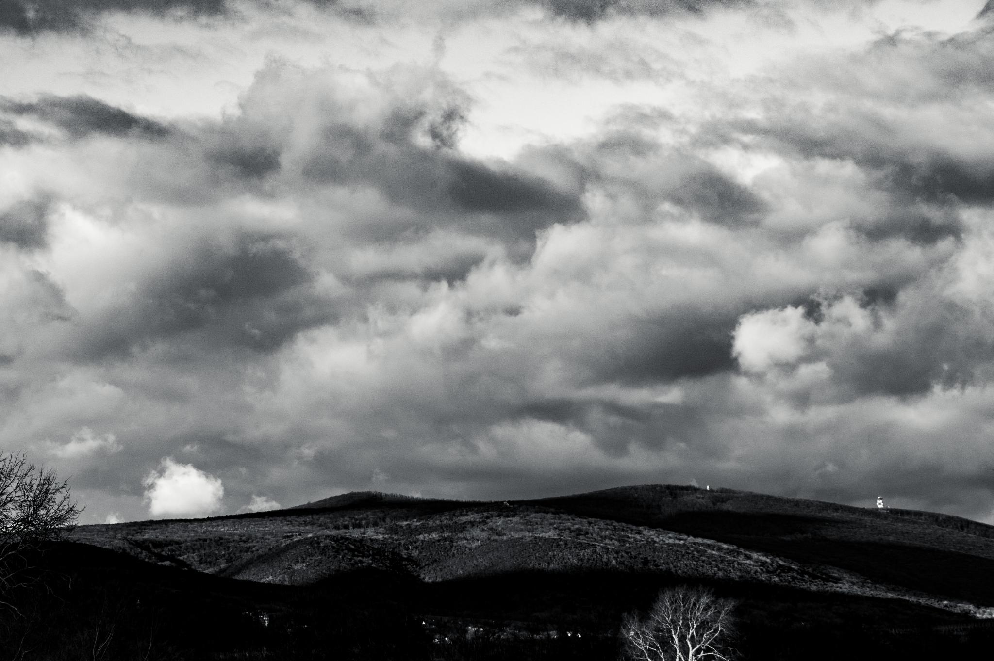 Wolken vor Landschaft